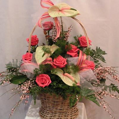 kosz roza, anturium, dekoracja